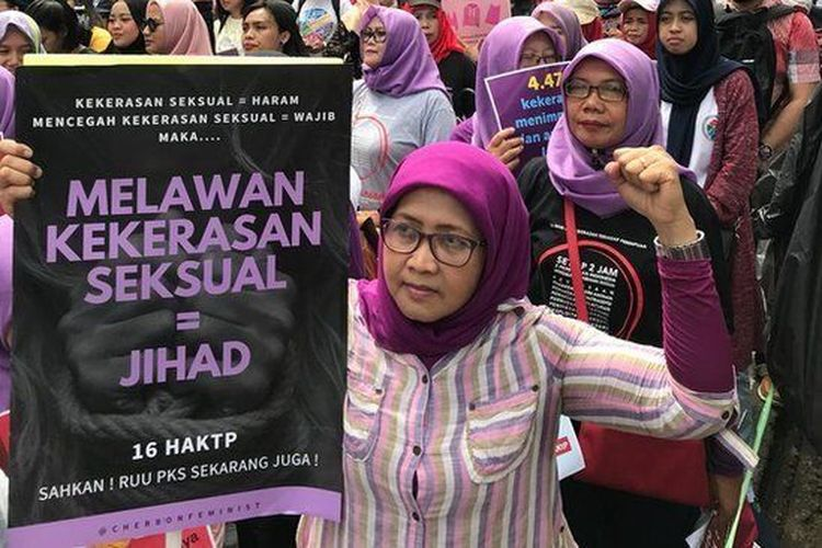 Pawai akbar anti kekerasan terhadap perempuan.