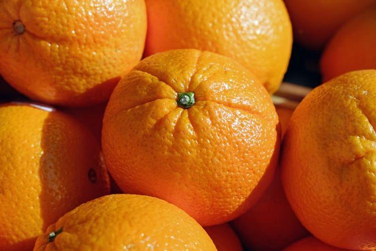 Dalam budaya China, jeruk adalah simbol rezeki dan keberuntungan.