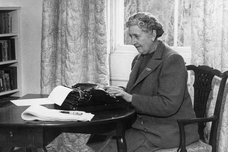 Agatha Christie pada tahun 1946.