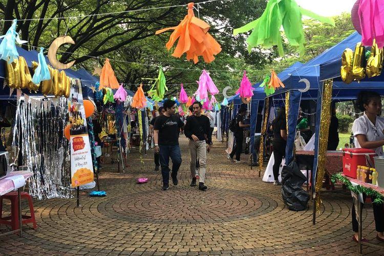 Vokasi Universitas Indonesia (UI) memberdayakan 33 UMKM (Usaha Mikro Kecil dan Menengah) dalam program VokHumFest 2019 (Vokasi Humas Festival) yang digelar pada 17 Mei 2019 dan merupakan bagian dari program Pengabdian Masyakat (Pengmas) Vokasi UI.