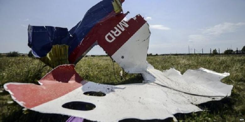 puing puing pesawat Malaysian Airlines MH17 yang jatuh ditembak Juli 2014