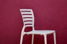 Pilih Mana, Furnitur Kayu atau Plastik?