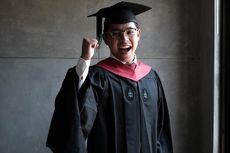 Sempat Gagal UN, Dosen UGM Ini Lulus dari Harvard dengan 2 Penghargaan