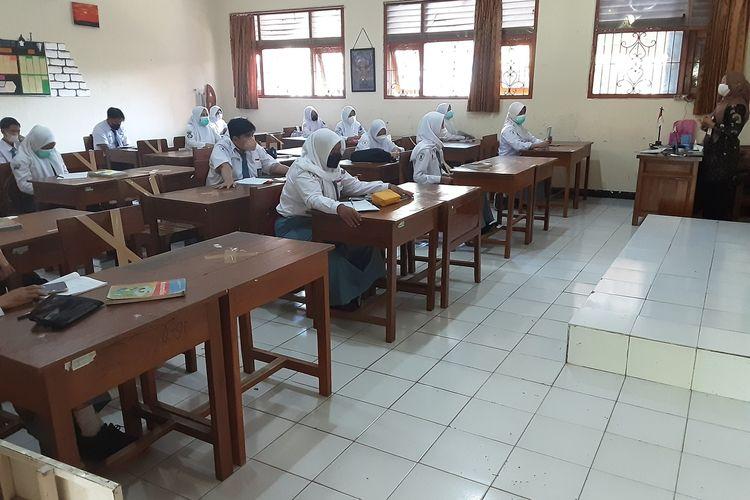 Siswa SMAN 1 Kendal saat ikuti PTM. KOMPAS.COM/SLAMET PRIYATIN