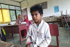 Mari Bantu Siswa SD Filial yang Berseragam Lusuh dan Gedung Sekolah Rusak
