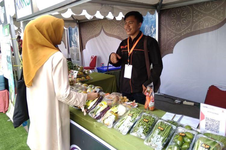 Aripudin, seorang santri agribisnis dan pengurus koperasi Kopontren Al Ittifaq dalam acada IIEFest di Bandung, Jumat (26/4/2019)