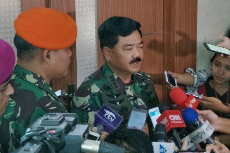 Panglima TNI Marsekal Hadi Tjahjanto saat ditemui di gedung Nusantara II, Kompleks Parlemen, Senayan, Jakarta, Senin (29/1/2018).