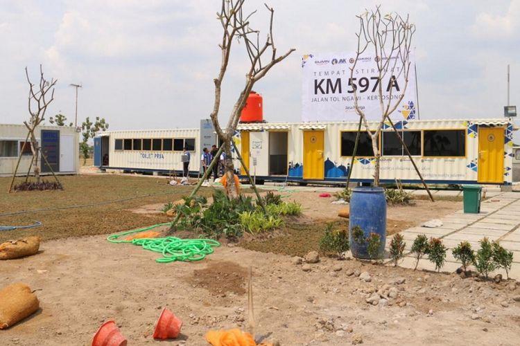 Rest Area 597 A ke arah Surabaya.