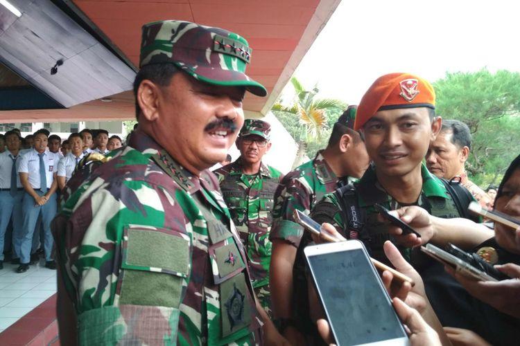 Panglima TNI Marsekal Hadi Tjahjanto usai memberikan ceramah pembekalan siswa SMA Taruna Nusantara, Magelang, Senin (19/3/2018) sore.