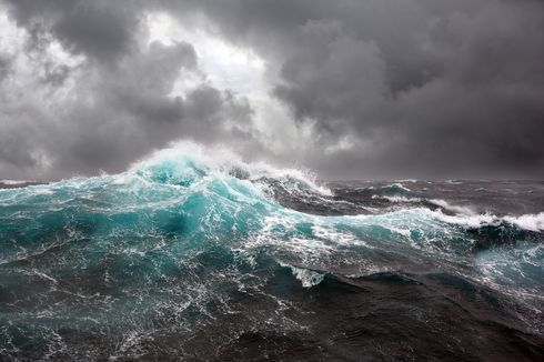 Perairan Lampung hingga Banten, Waspada Gelombang Tinggi Capai 6 Meter