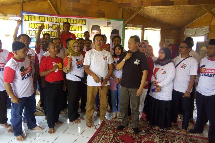 Timsus 1901 Sumedang saat rapat Menjemput Kemenangan Jokowi-Amin di Saung Emak, Sumedang Kota, Jawa Barat, Senin (8/4/2019).