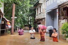 Jakarta Banjir, PLN Imbau Warga Tidak Sentuh Tiang Listrik, Ini Alasannya