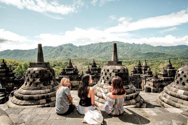 Fokus garap segmen wisatawan nusantara (wisnus) jadi bukti sigap Kementerian Pariwisata dan Ekonomi Kreatif (Kemenparekraf) atau Badan Pariwisata dan Ekonomi Kreatif (Baparekraf) dalam memulihkan perekonomian Indonesia.