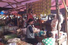 PKL Ditertibkan, Pengangkutan Sampah di Pasar Minggu Lancar