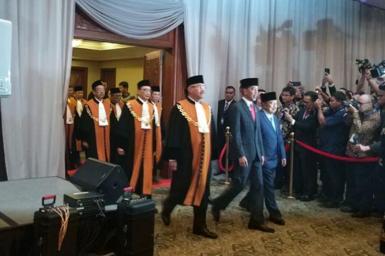 Presiden Joko Widodo dan Wakil Presiden Jusuf Kalla menghadiri sidang tahunan MA, di JCC Senayan, Jakarta, Rabu (27/2/2019).