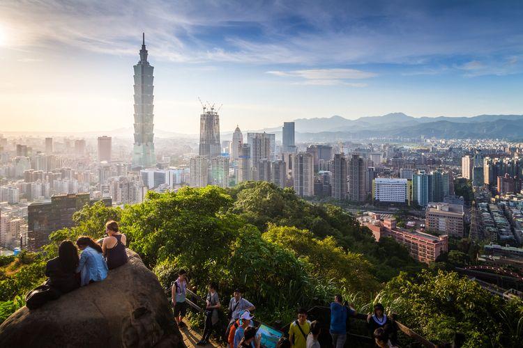 Taipei 101 tampak dari Pegunungan Gajah, Taipei, Taiwan