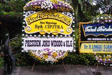 Karangan Bunga Jokowi dan Ahok Hiasi Rumah Almarhum Ciputra