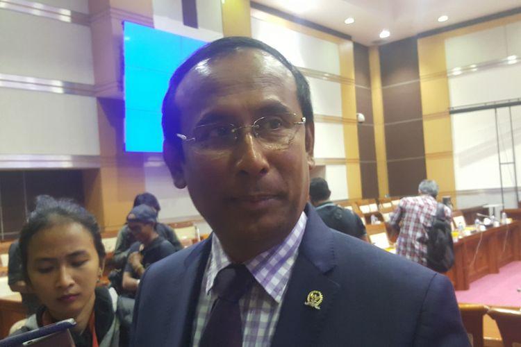 Wakil Ketua Komisi 1 DPR RI, Satya Widya Yudha, sesaat sebelum RDPU di parlemen, Selasa (16/4/2018)