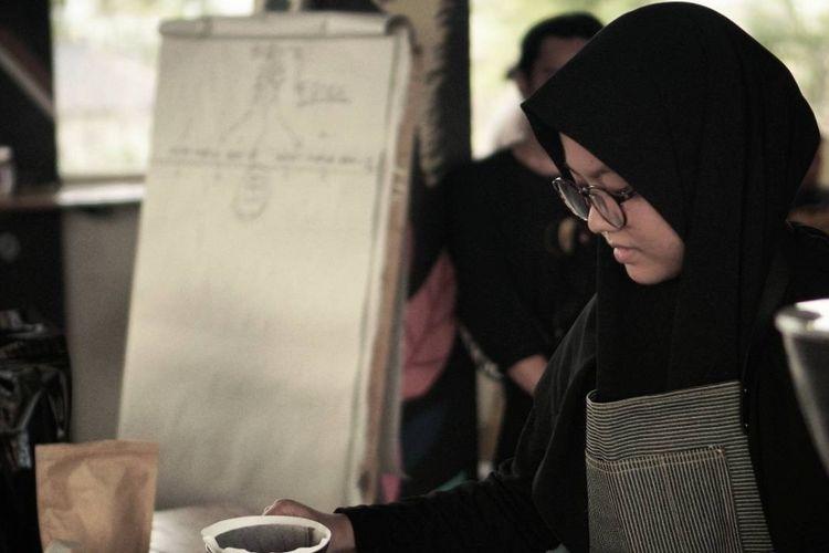 Tamara Khairun, Barista Muda yang bercita-cita menjadi barista dunia.