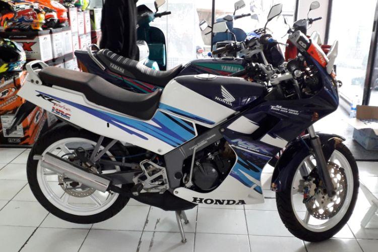 Honda NSR yang dijual di gelaran Otobursa Tumplek Blek 2018 di Gambir Expo, JIExpo Kemayoran, Jakarta pada penyelenggaraan hari pertama, Sabtu (21/7/2018).