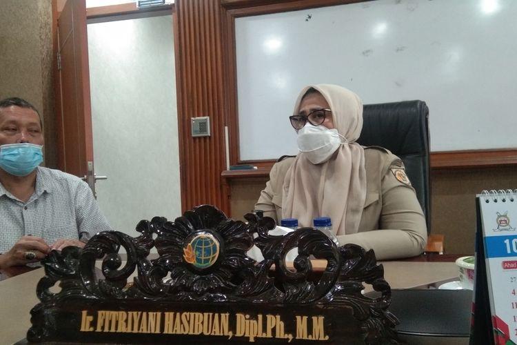 Kepala BPN Karawang Fitriyani Hasibuan (kanan)
