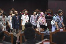 Saksi Prabowo-Sandiaga Mengaku Lihat Tumpukan Sampah Berupa Amplop Formulir C1