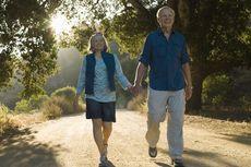 5 Aktivitas Fisik Lansia Selama Ramadhan untuk Cegah Osteoporosis