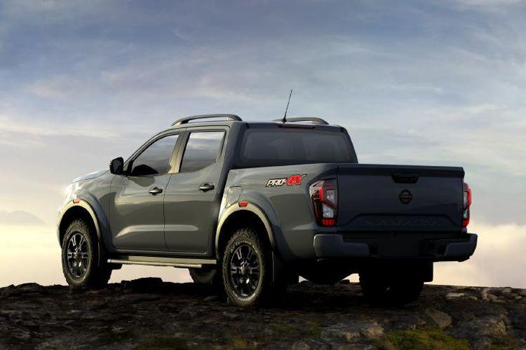 Tampilan buritan Nissan Navara terbaru.