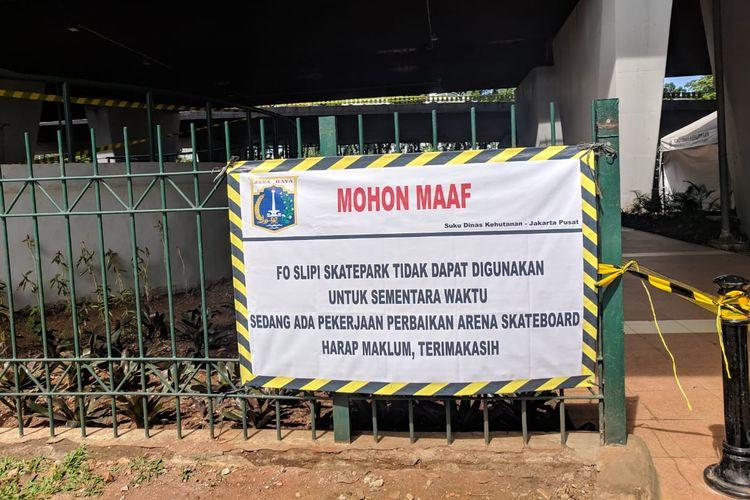 Skatepark di bawah Flyover Slipi, Jakarta Pusat ditutup lantaran mengalami kerusakan