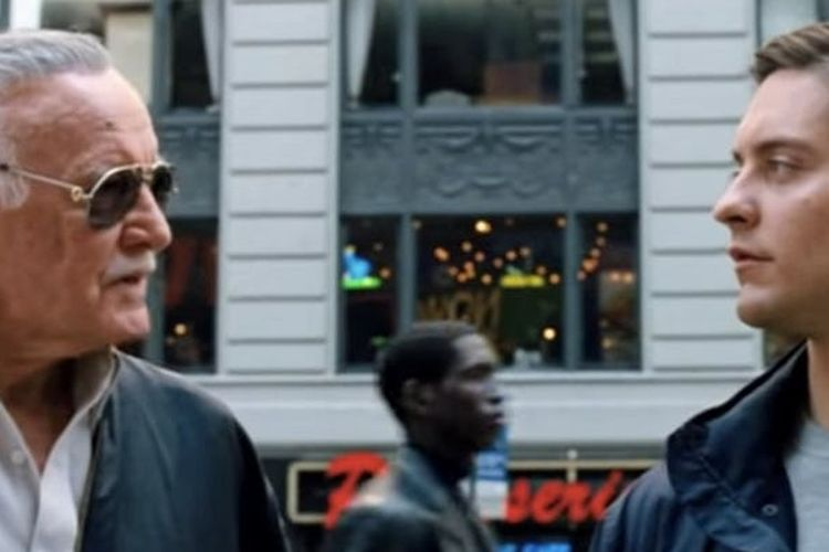 Stan Lee saat beradu akting dengan Tobey Maguire dalam film Spider-Man 3 (2007).
