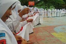 Hari Kartini, 325 Siswa Jahit Bendera Sepanjang 100 Meter