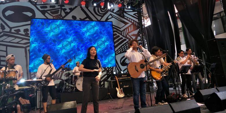 WestJamnation saat menjadi penampil pembuka Synchronize Festival 2018 hari kedua yang digelar di Gambir Expo Kemayoran, Jakarta Pusat, Sabtu (5/10/2018).