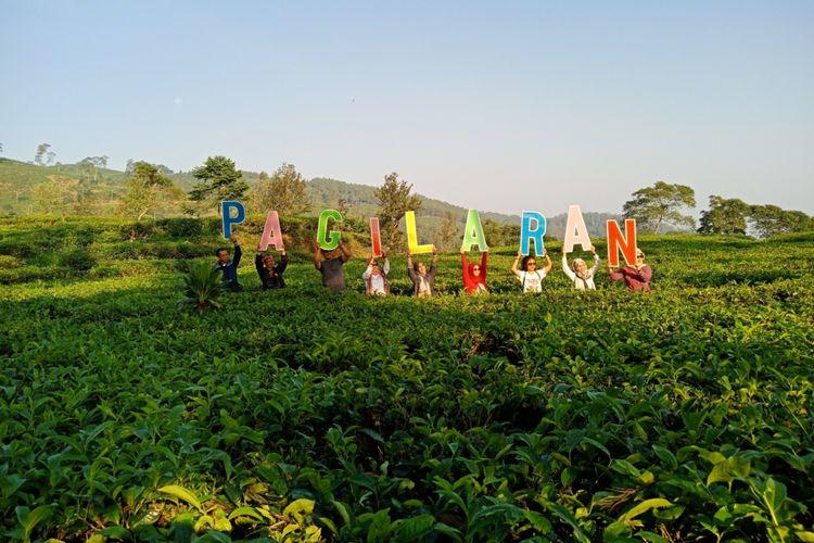 Indahnya lanskap di kawasan perkebunan teh Pagilaran. Kabupaten Batang, Jawa Barat, Kamis (3/5/2018).