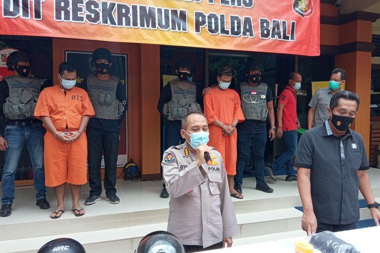 Polisi menangkap komplotan jambret spesialis ibu-ibu di Denpasar, Bali.