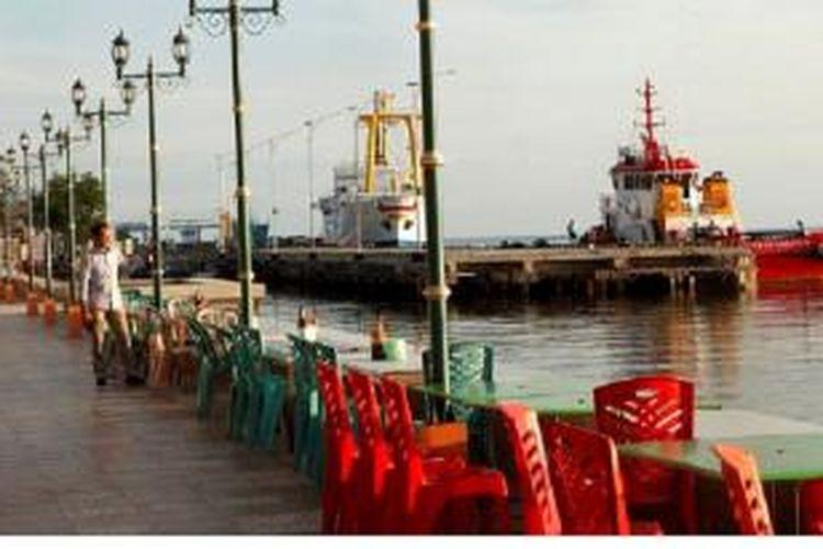 Pusat kuliner di Pantai Mallusetasi, dalam kawasan pelabuhan dan Pasar Senggol, terus dibenahi Pemerintah Kota Parepare. Penataan pelabuhan dan kawasan pasar diharapkan menjadi daya tarik bagi pendatang dan warga karena kawasan lebih nyaman.