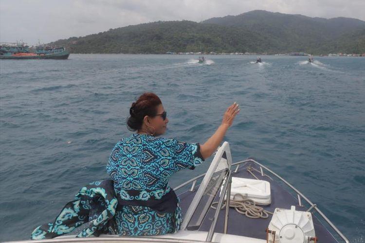 Mantan Menteri Kelautan dan Perikanan Republik Indonesia, Susi Pudjiastuti mengatakan bahwa Indoneaia merupakan negara terbesar kedua setelah Cina dalam hal penyumbang sampah laut di dunia.