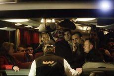 Politisi Jerman Bawa Bus Berisi Pengungsi ke Kantor Merkel