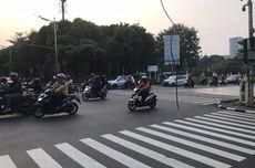 Kabel Menjuntai di Tengah Jalan Fatmawati, Bikin Kaget Pengendara yang Tak Sengaja Menabrak