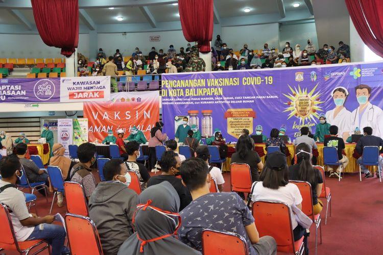 Pelaksanaan serbuan vaksinasi nasional Covid-19 tahap kedua dilaksanakan di Gedung Balikpapan Sport dan Convention Center (BSCC), Kota Balikpapan, Kaltim, Sabtu (24/7/2021).