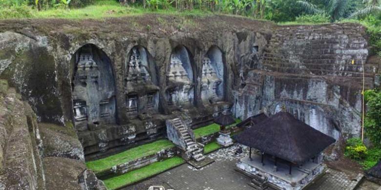 Candi Gunung Kawi di Desa Tampaksiring, Kecamatan Tampaksiring, Kabupaten Gianyar, Bali.