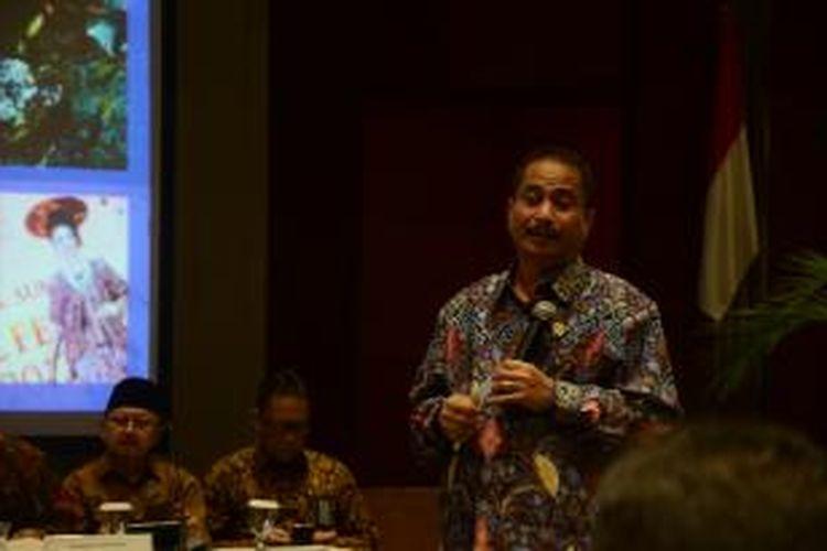 Mentri Pariwisata Arief Yahya saat jumpa pers dalam rangka pelaporan wisman ke Indoneisa periode 2014, di Balairung Soesilo Soedirman, Kementrian Pariwisata, Jakarta. Selasa (4/2/2015)
