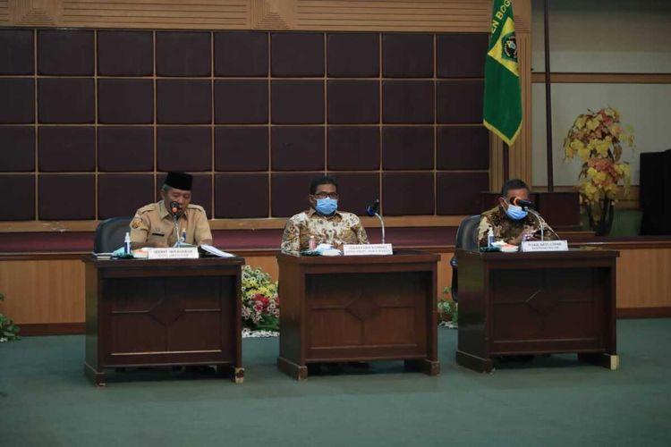 Kunjungan Kerja Komisi I DPRD Provinsi Jawa Barat ke Pemerintah Kabupaten Bogor untuk membahas persiapan DOB Kabupaten Bogor Timur, di Gedung Serbaguna I, Cibinong, Rabu (14/4/2021).