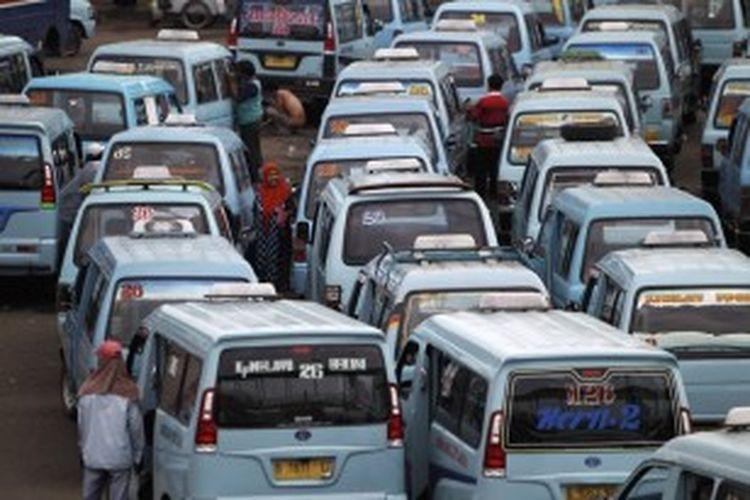 Ilustrasi angkutan umum