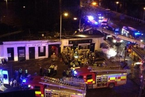 Sudah 8 Tewas di Insiden Helikopter Menimpa Pub di Skotlandia