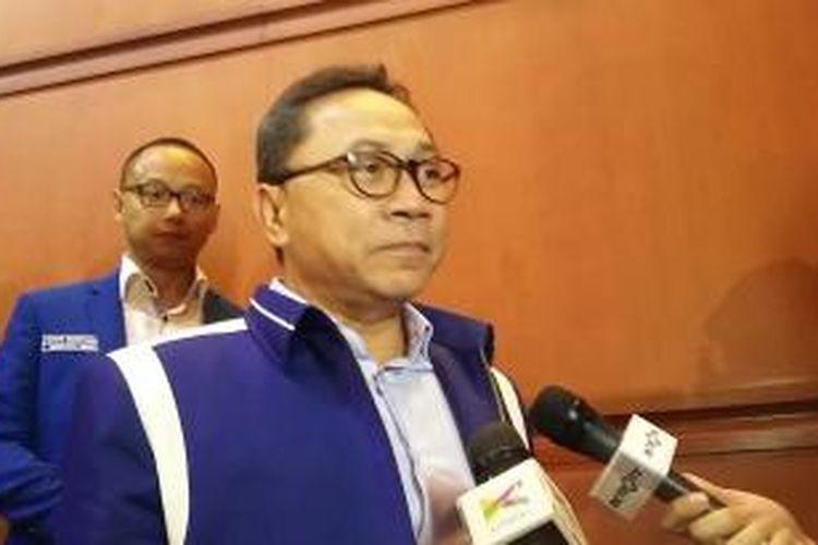 Ketua Umum PAN Zulkifli Hasan, saat menggelar konferensi pers seusai penutupan Rapat Kerja Nasional (Rakernas) I PAN di Hotel Bidakara, Jakarta, Kamis (7/5/2015).