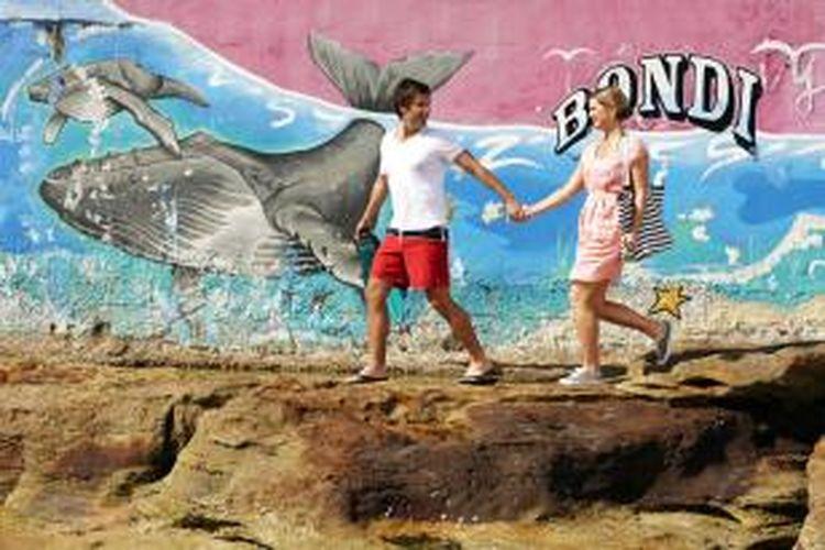 Selain menikmati karya seni, Anda bisa menikmati sejarah masa lalu Bondi dengan menelusuri Bondi History Walk.