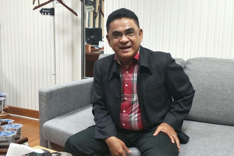 Ketua DPP PDI-P Andreas Hugo Pareira saat ditemui di ruang kerjanya, Kompleks Parlemen, Senayan, Jakarta, Senin (28/5/2018).