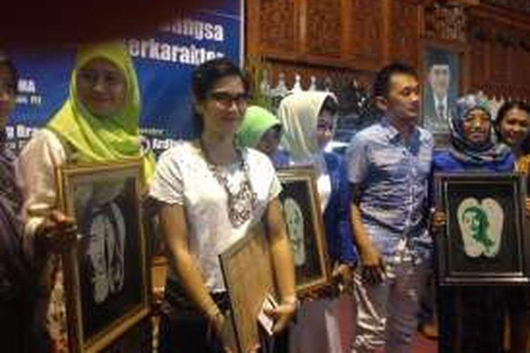 Dian Sastro menjadi pembicara dalam Seminar Kartini untuk Bangsa di Jepara, Jawa Tengah, Sabtu (16/4/2016).