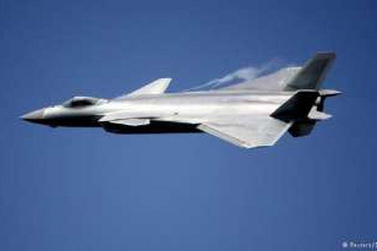 Jet tempur siluman baru China, bernama Chengdu J-20.