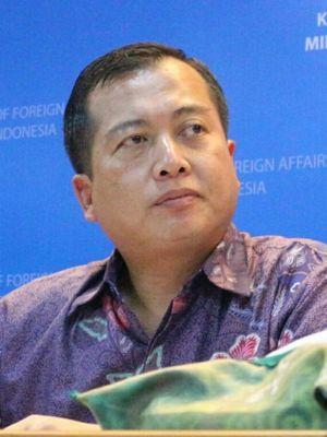 Direktur Perlindungan WNI dan Badan Hukum Indonesia, Kementerian Luar Negeri RI, Lalu Muhammad Iqbal di Kantor Kemenlu RI, Jakarta, Senin (19/3/2018).